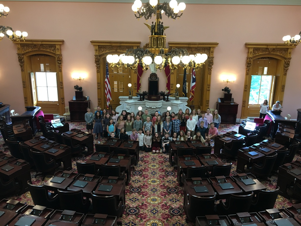 7th graders in House Chamber